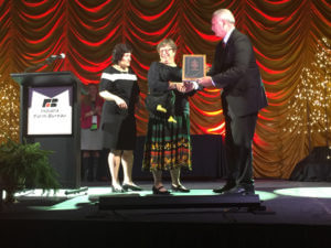 Pat Wakenell receives Hovde Award