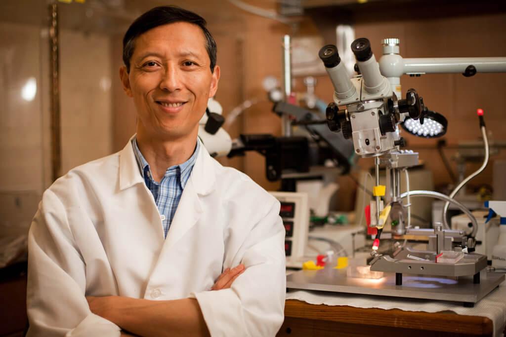 Dr. Riyi Shi pictured
