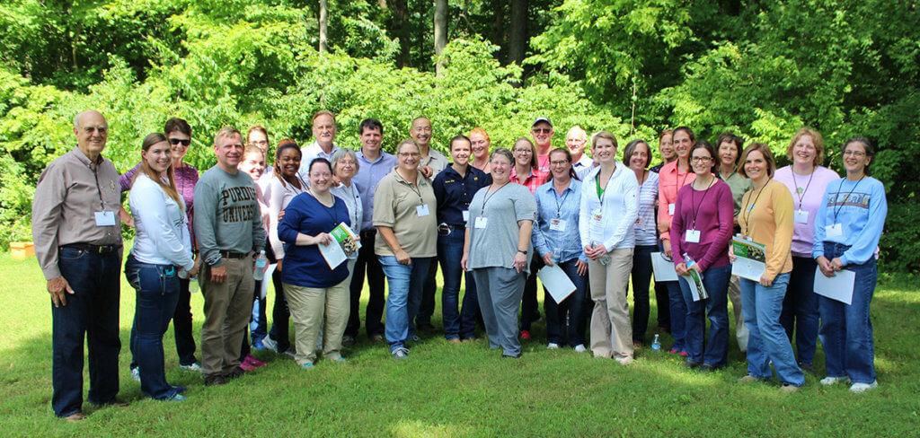 Beekeeping for Veterinarians Workshop participants pictured