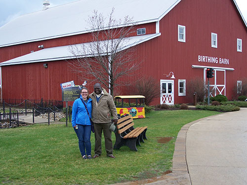 Dr. Limo (right) and Taylor Smith, of the DVM Class of 2018, take a break during a trip to Fair Oaks Farms.